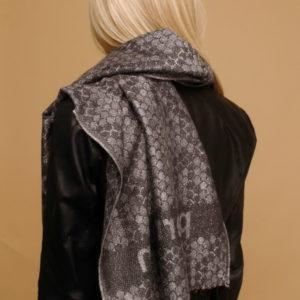 Шарф для женщин (Серый Животный;Логотип) Pierre Cardin