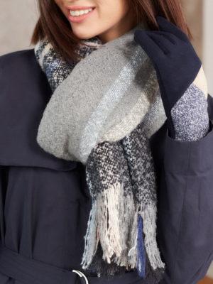 Теплый шарф в клетку